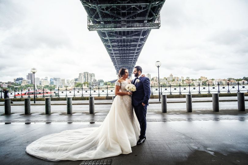 Newlyweds in the city