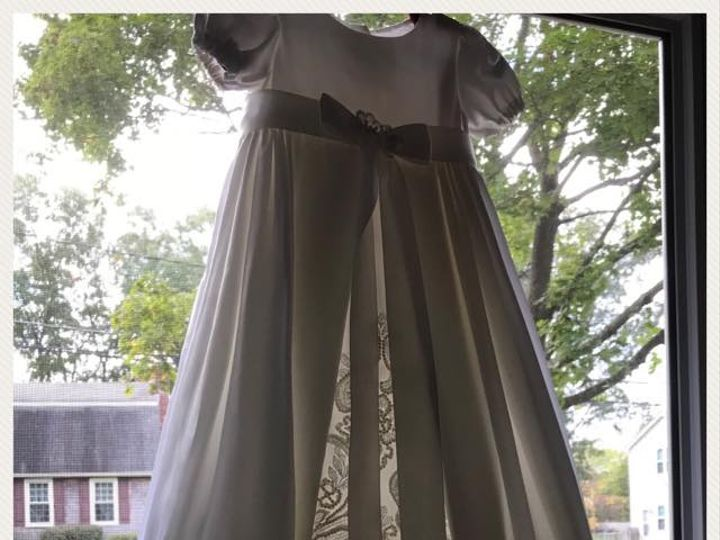 Tmx 44546812 10212567522694325 4072391267403694080 N 51 922487 Hudson wedding dress