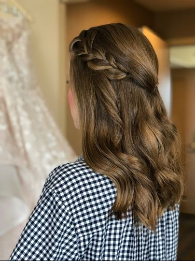 Braided bridesmaid halfup