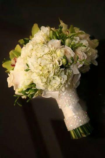 bouquetwhite2015 01 11 07 13 10