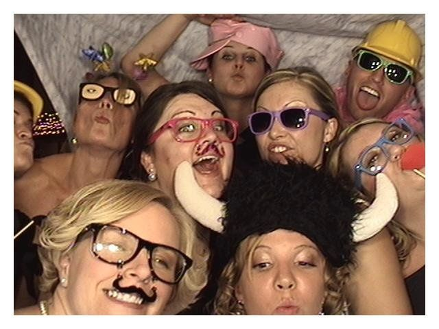 Kellyphotoboothwith8