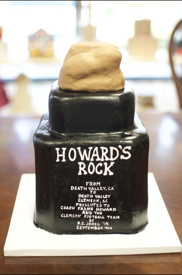Couture Cakes of GreenvilleHoward's rock cake