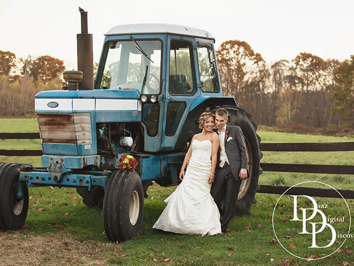 Tmx 1440173282333 Zukas Hilltop Barn Tractor Oxford wedding photography
