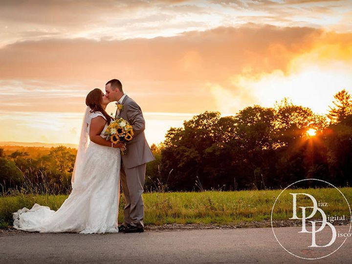 Tmx 1515603656 A4b20e36171c859b 1515603655 E8b612b48436a264 1515603649887 13 Harrington Farm W Oxford wedding photography