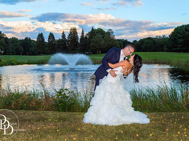 Tmx 1515603658 33e360923513df3d 1515603656 E3feafa0479b9369 1515603650093 19 Kirkbrae Country  Oxford wedding photography