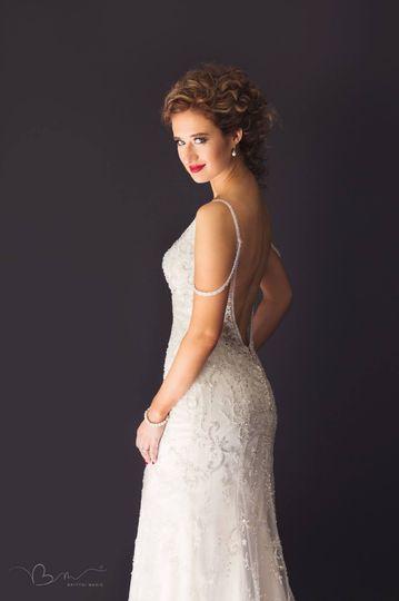 Bride Lucie Portrait