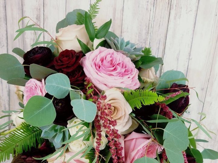 Tmx Bb1430 Natural Cascading Green Burgundy And Pink Brides Bouquet 51 42687 Oregon City, OR wedding florist