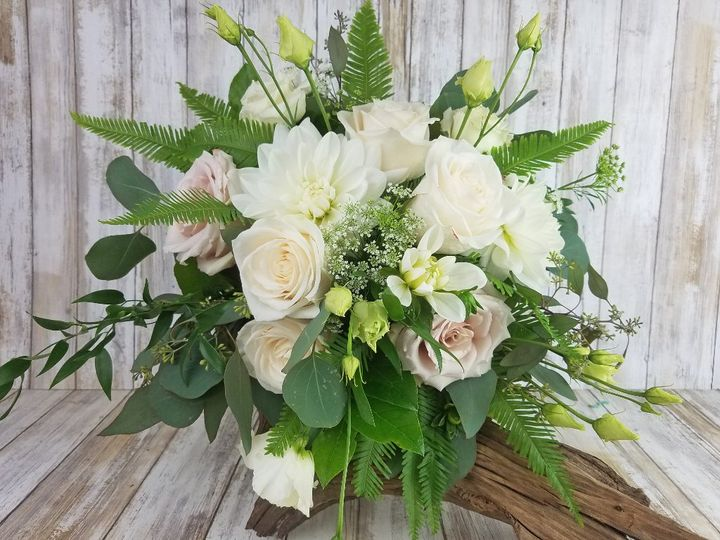 Tmx Bb1446 Natural Loose Green And White Brides Bouquet 51 42687 Oregon City, OR wedding florist