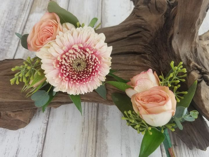 Tmx Bf0768 Peach Gerbera Daisie And Spray Rose Boutonnieres Copy 51 42687 Oregon City, OR wedding florist