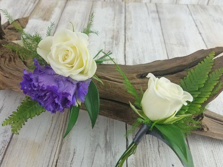 Tmx Bf0772 Purple Lisianthus White Spray Rose Boutonniere Copy 51 42687 Oregon City, OR wedding florist