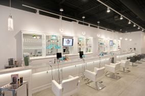 Bombshell Blow Dry Bar