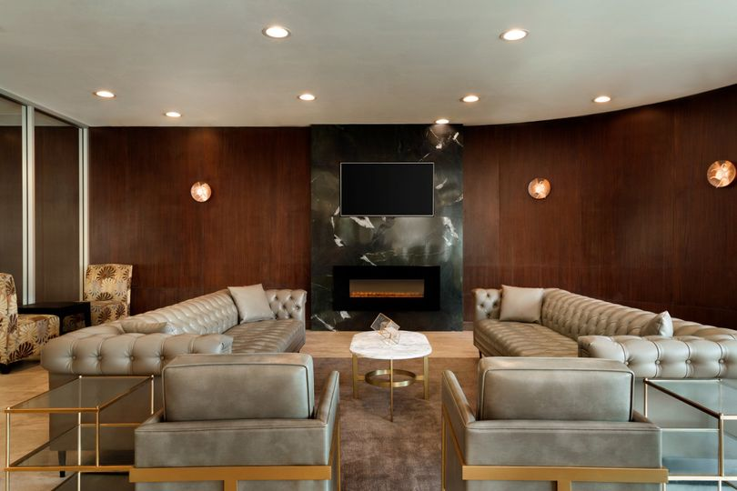 Great lounge seating on the lobby