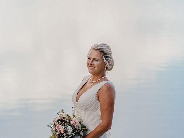 Tmx D2800 51 1014687 Yorktown wedding beauty