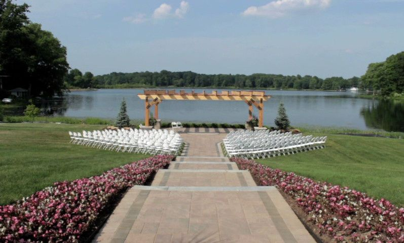 Waterfront wedding site