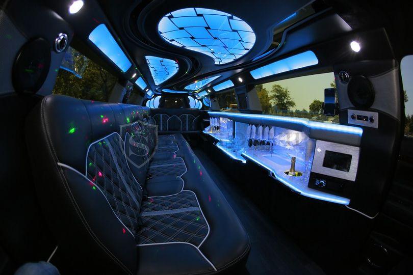 Stretch MKT Interior