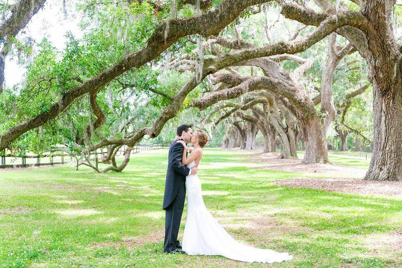 c8f67409613cd078 1532450314 550ed66c9c3b1d37 1532450310714 9 Charleston Wedding