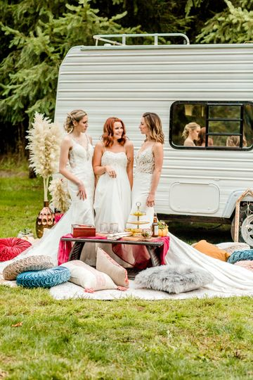 Mobile bridal suite