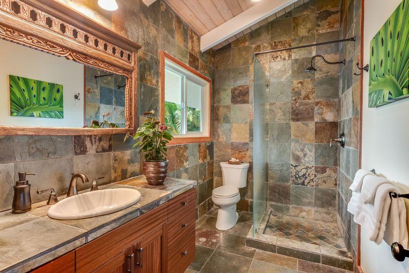 Hoku Bathroom