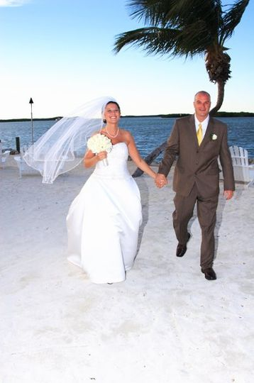 Barbara Knowles Wedding Photography and Planner - Beach