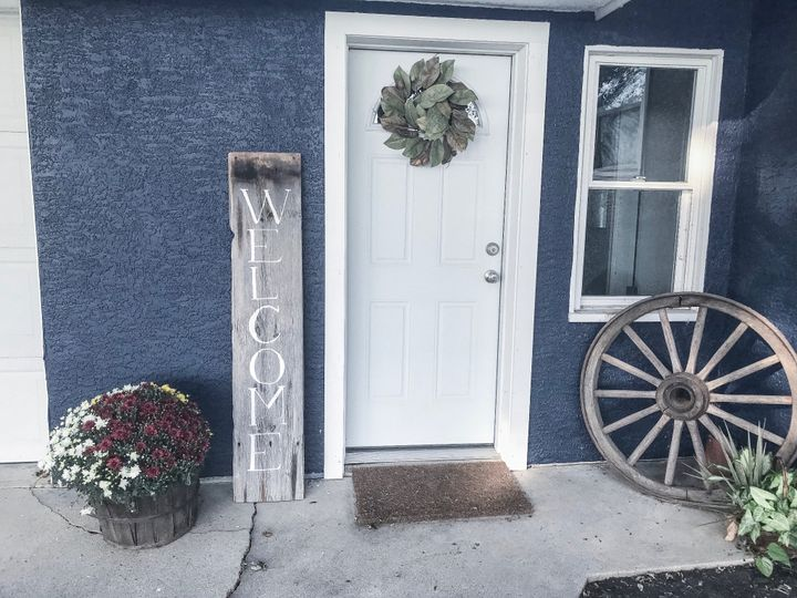 Home Decor: Welcome Sign