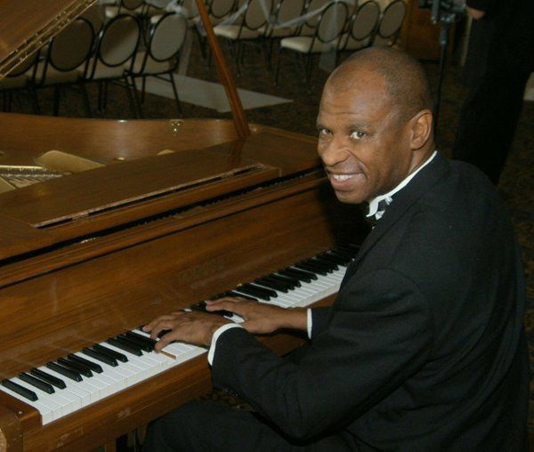 Terry Marshall-Pianist