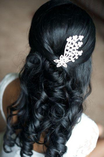 Diamond hair details