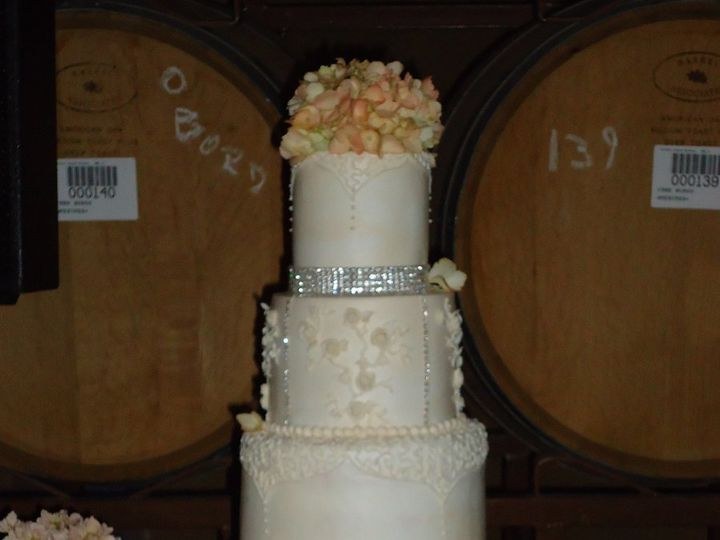 Tmx 1347255387002 DSC00507 Temecula wedding cake