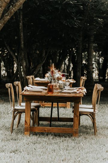 Chicly rustic tables