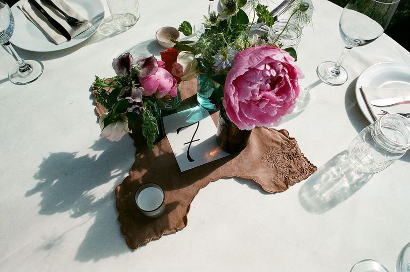 Table numbers and flowers