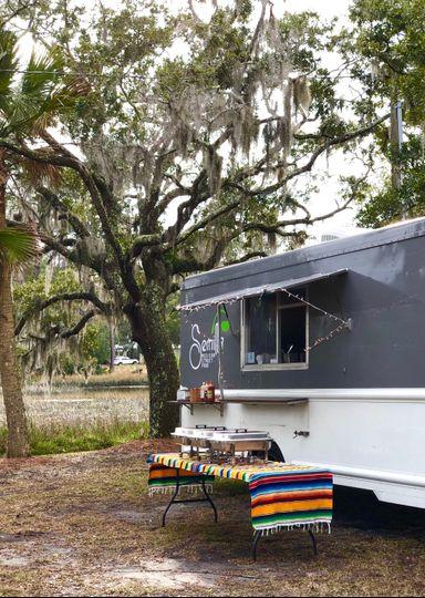 Semilla Food Truck exterior