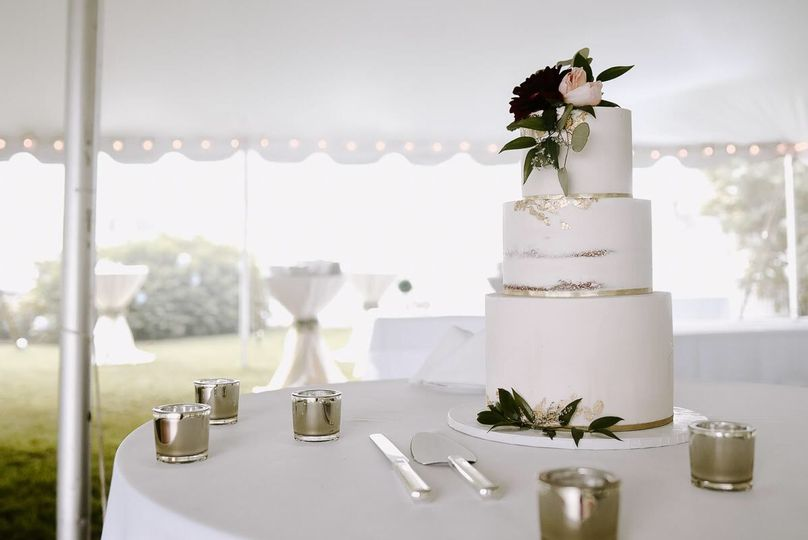 3 tier cake with flowers