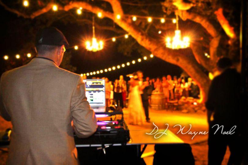 djwayne 1st dance outdoor wedding kunde winery