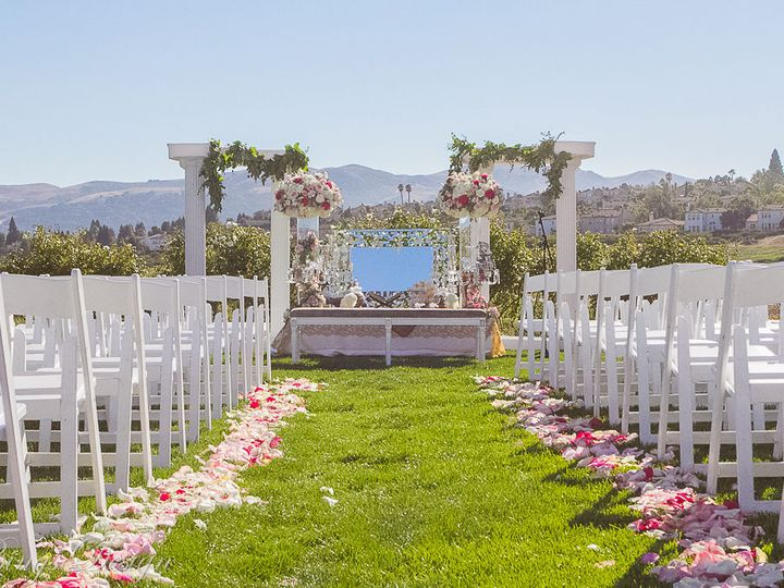 Tmx 1516073656 619257098c8c0f38 1516073654 8a1f3a71e271d7ea 1516073654646 15 IMG 7892 Fremont, California wedding florist