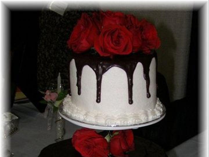 Tmx 1334143038440 P12300562 Vassalboro wedding cake