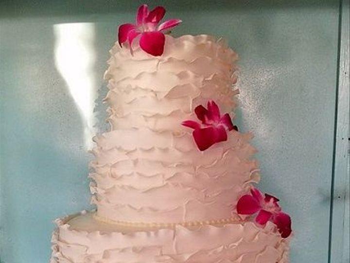 Tmx 1533155333 A01b28d9b372a4ec 1533155331 A189bd882e53c3eb 1533155335195 16 21430392 10213283 Vassalboro wedding cake