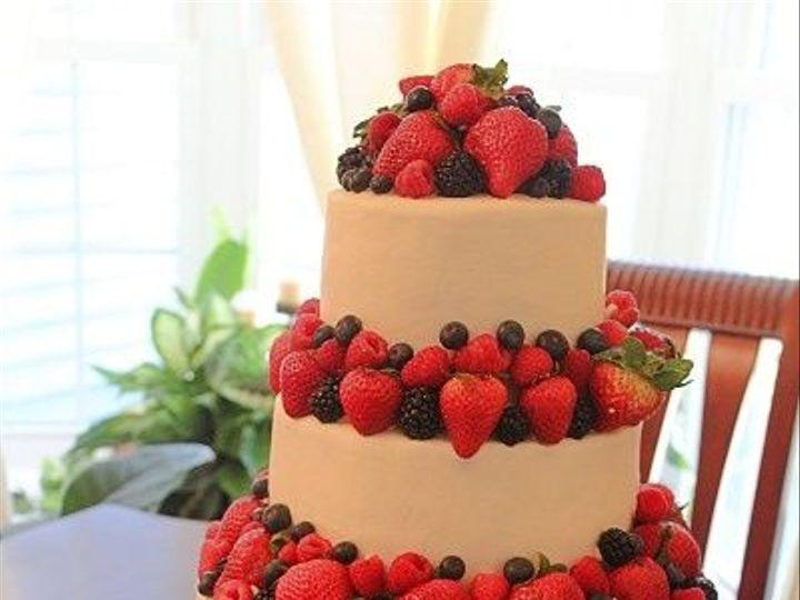 Tmx 1533155613 7befb0e2831e1ea5 1533155613 9b9f0db7d65d35c9 1533155616646 25 IMG 4629 Vassalboro wedding cake