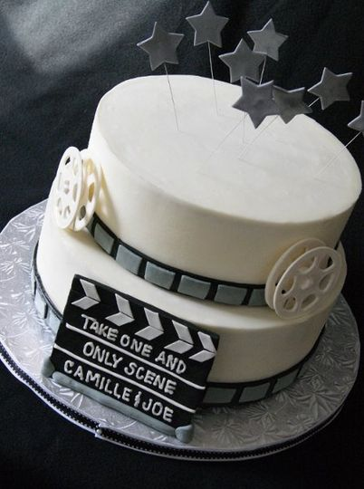 800x800 1317961645517 moviegroomscake