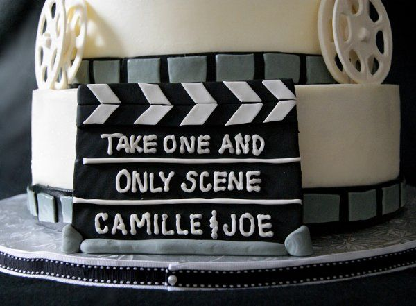 800x800 1317961693285 moviegroomscakeclapboard