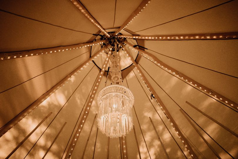 Tent lights and chandelier | Brittyn Elizabeth Photography
