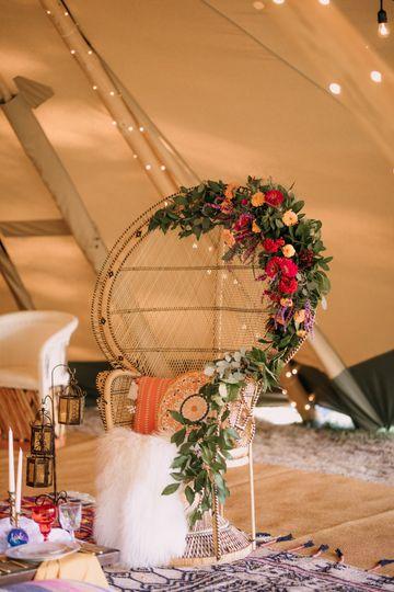 Floral decor | Brittyn Elizabeth Photography