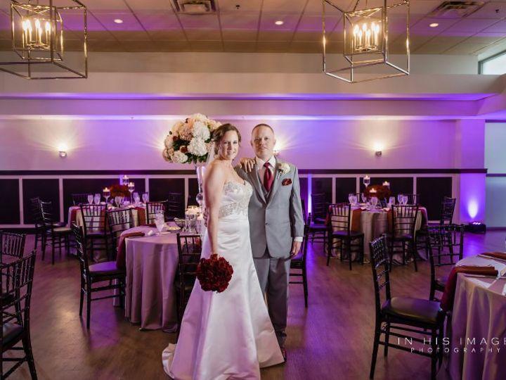 Tmx Jonmeganwedding 0405 51 986887 V1 Raleigh, NC wedding florist