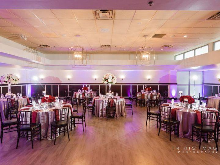 Tmx Jonmeganwedding 0418 51 986887 V1 Raleigh, NC wedding florist