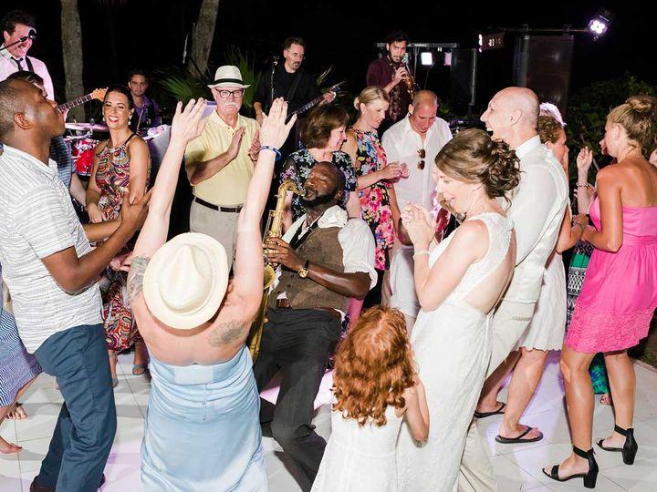 Tmx Everyone Is Having Fun 51 938887 Naples, FL wedding dj