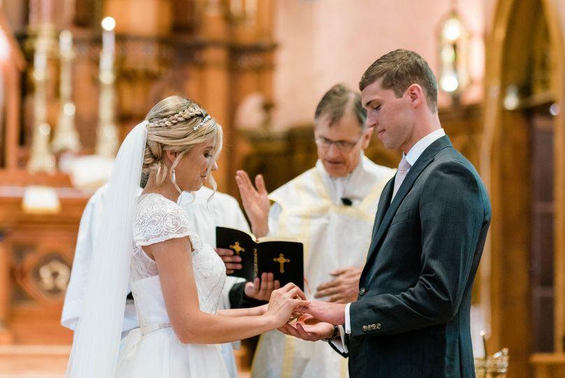 Annie Albrecht Photography - Exchanging the rings