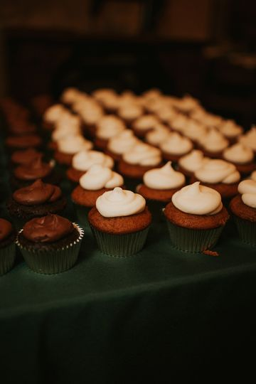 Baker's wedding cupcakes