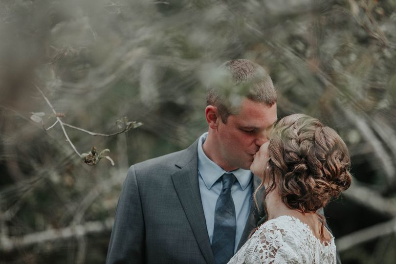 Groom kissing his bride | Jess Cremins Photo & Video