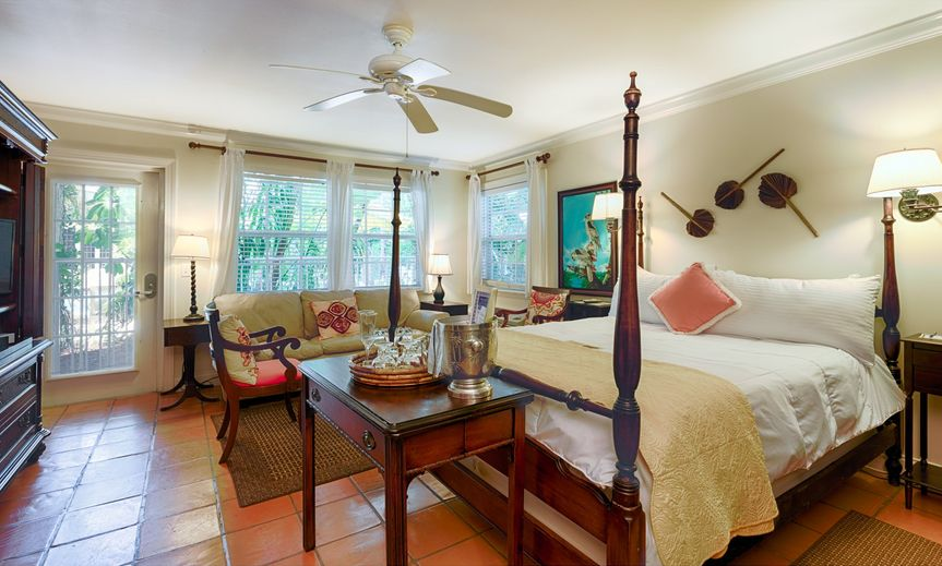 the caribbean court boutique resort