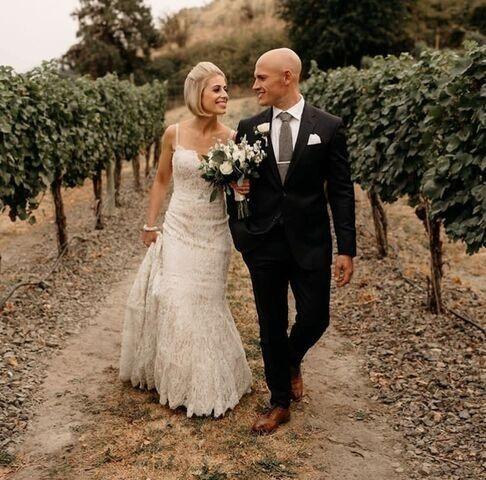Tmx 2fffd9d4 7bd8 41fc 8a19 5f5ba 51 1235987 158031127174344 Seattle wedding dress