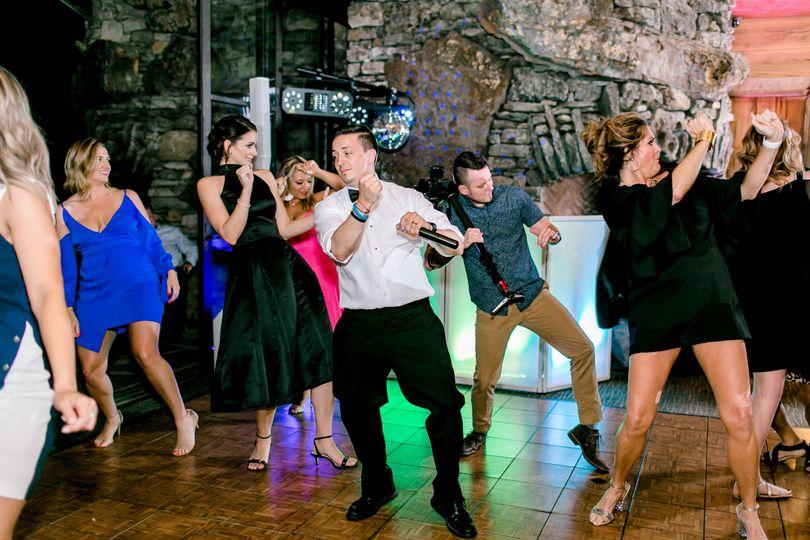 Contemporary line dancing