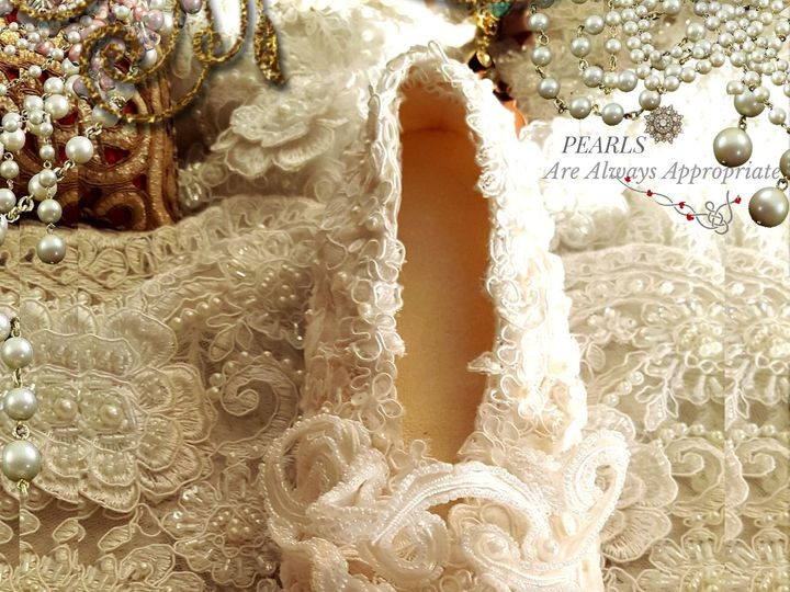 Tmx 1519395402 1ca0bc43c648619f 1519395400 6608fb917f9507fc 1519395394920 10 PEARLS ARE ALWAYS South Plainfield wedding dress
